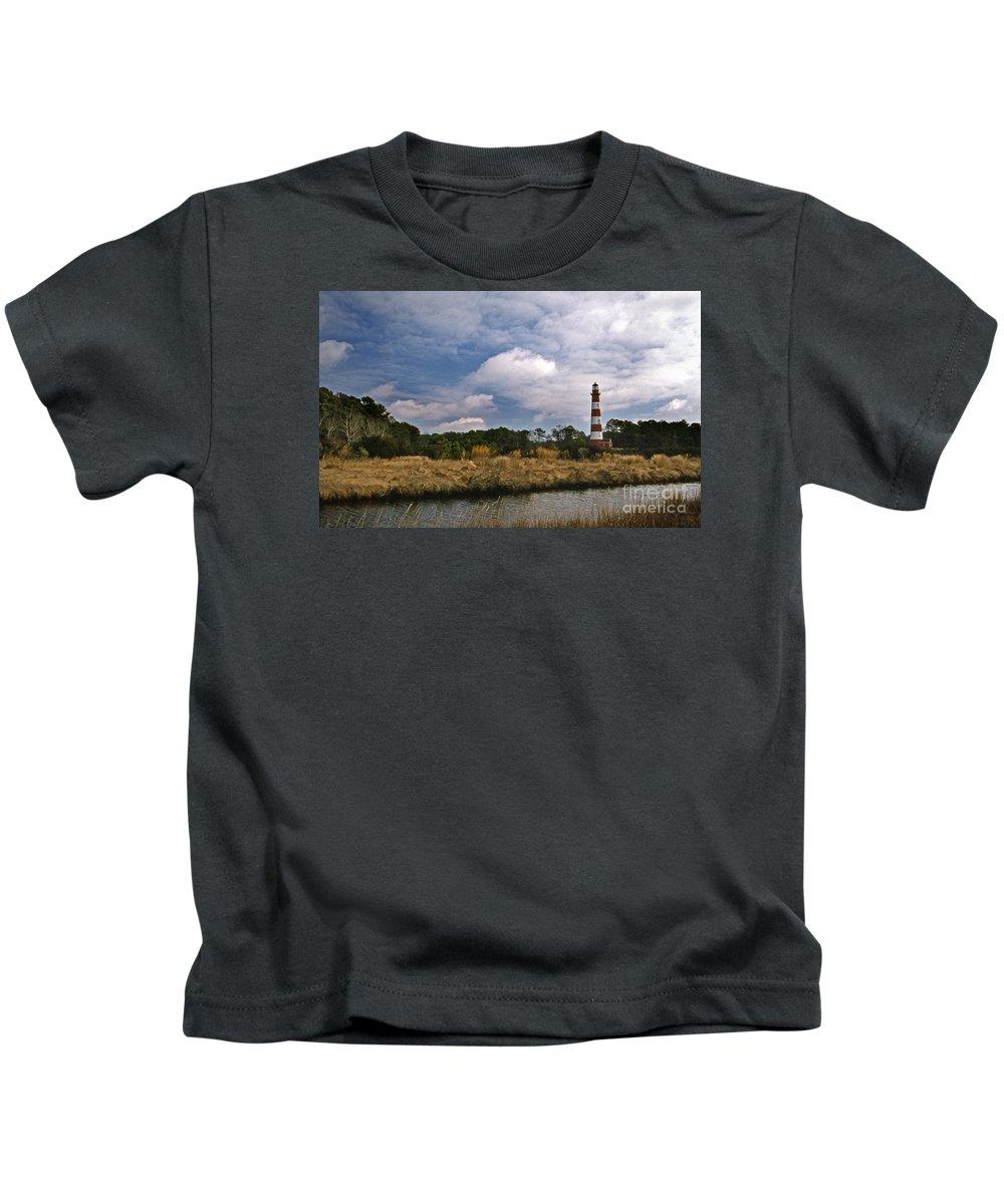 Lighthouses Kids T-Shirt featuring the photograph Assateague Island Lighthouse by Skip Willits