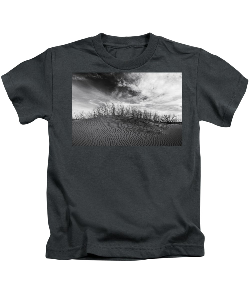 Bruneau Dunes State Park Kids T-Shirt featuring the photograph Bruneau Dunes State Park Idaho by Vishwanath Bhat