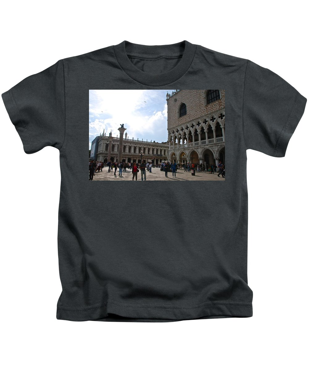 Doge's Palace Kids T-Shirt featuring the photograph Doge's Palace by Eric Tressler