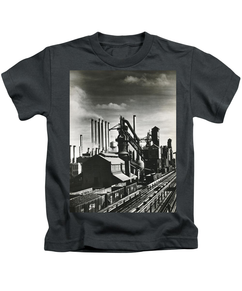 1035-660 Kids T-Shirt featuring the photograph Ford's River Rouge Plant by Underwood Archives