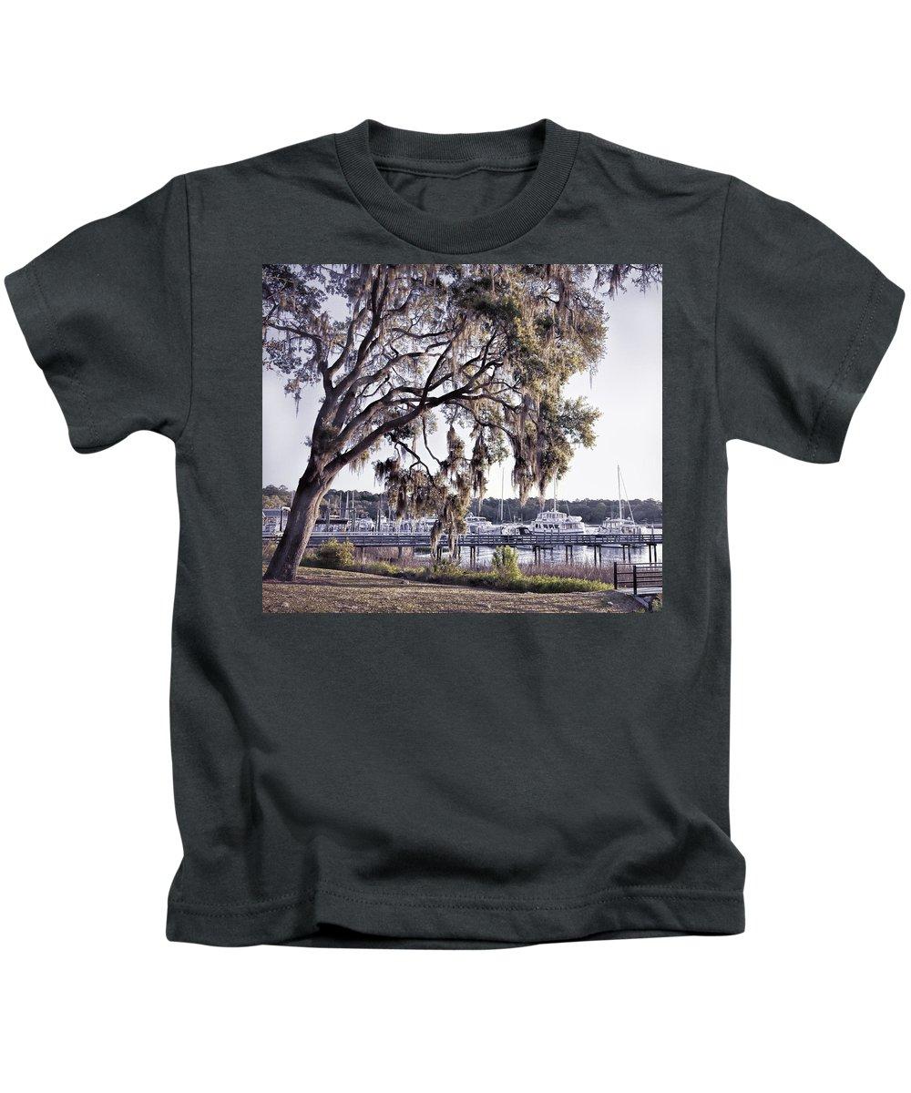 Tybee Island Kids T-Shirt featuring the photograph Isle Of Hope Marina by Diana Powell