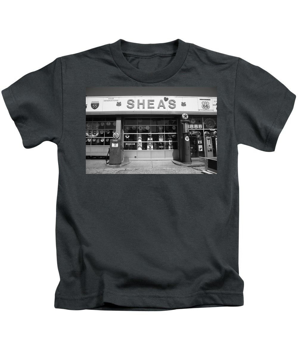 66 Kids T-Shirt featuring the photograph Route 66 - Shea's Filling Station by Frank Romeo
