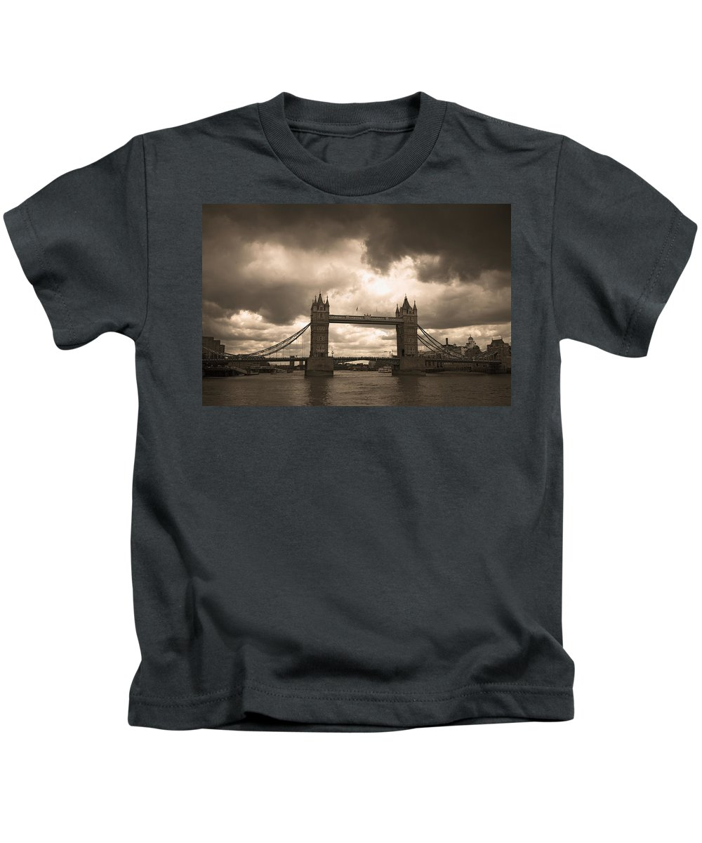London Kids T-Shirt featuring the photograph Tower Bridge In London by Chevy Fleet