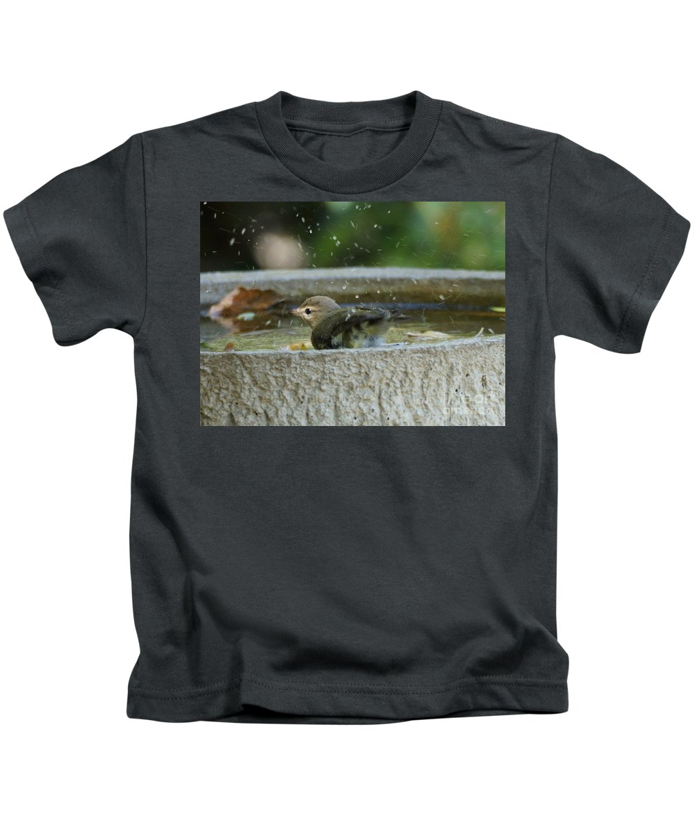 Warbling Vireo Kids T-Shirt featuring the photograph Warbling Vireo by Lori Tordsen