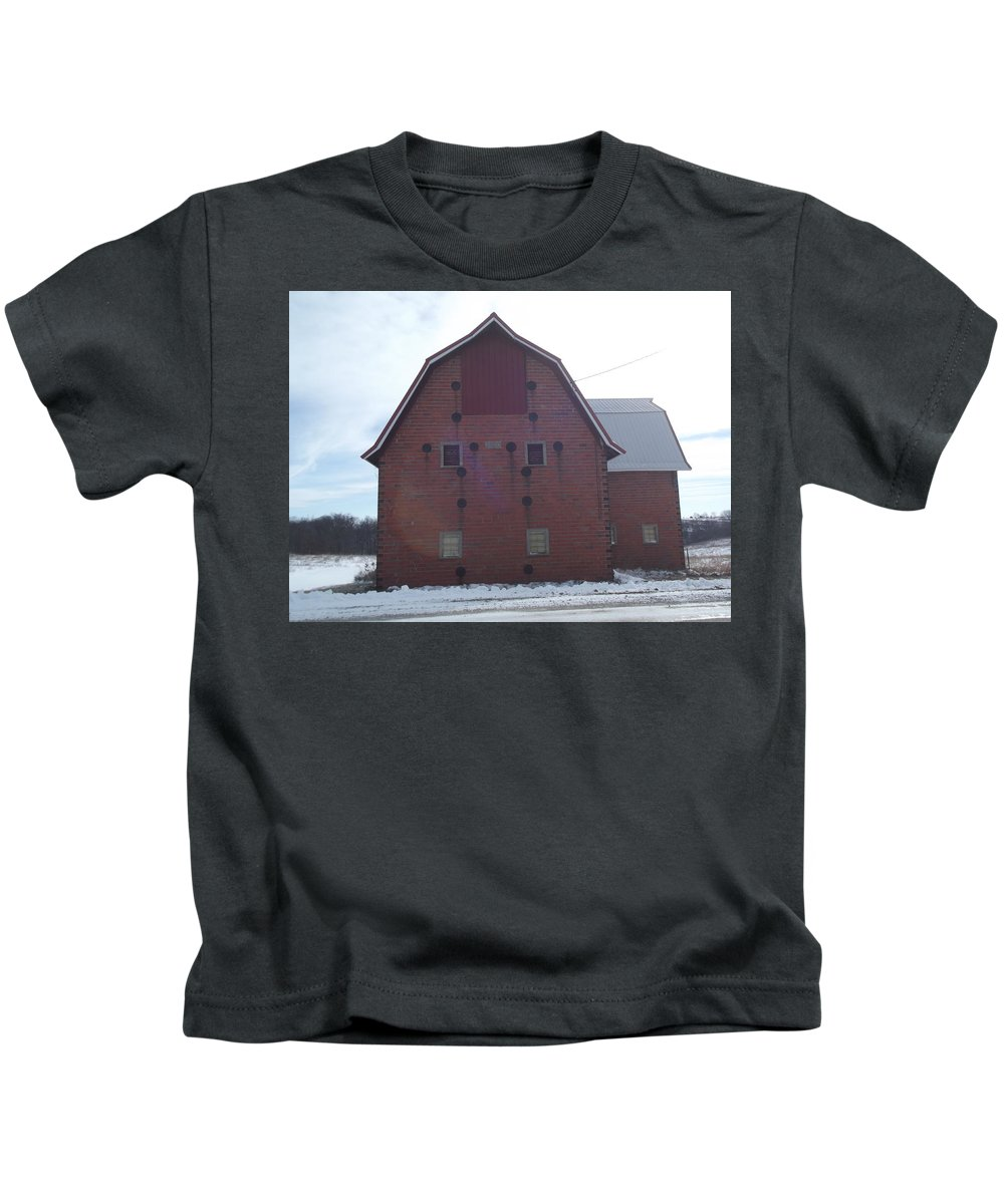 Elkader Iowa Kids T-Shirt featuring the photograph 1920 Barn by Bonfire Photography