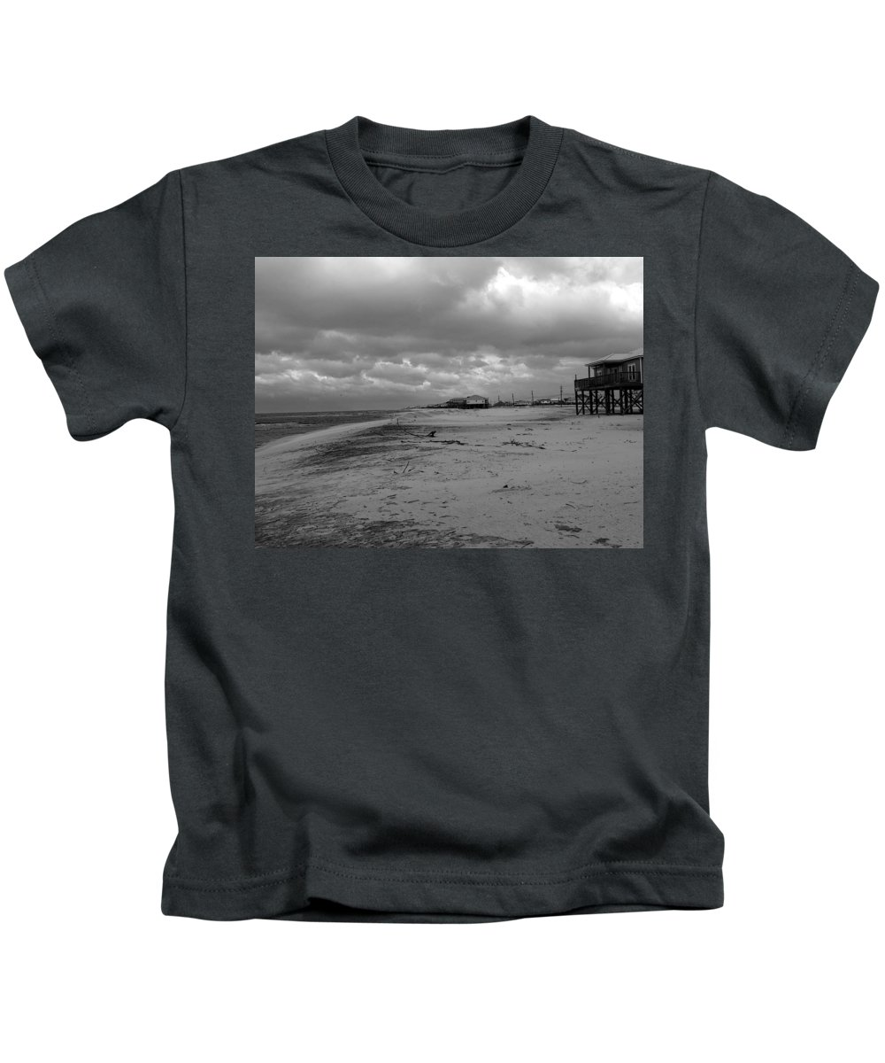 Gulf Of Mexico Kids T-Shirt featuring the photograph Low Tide by David Bearden