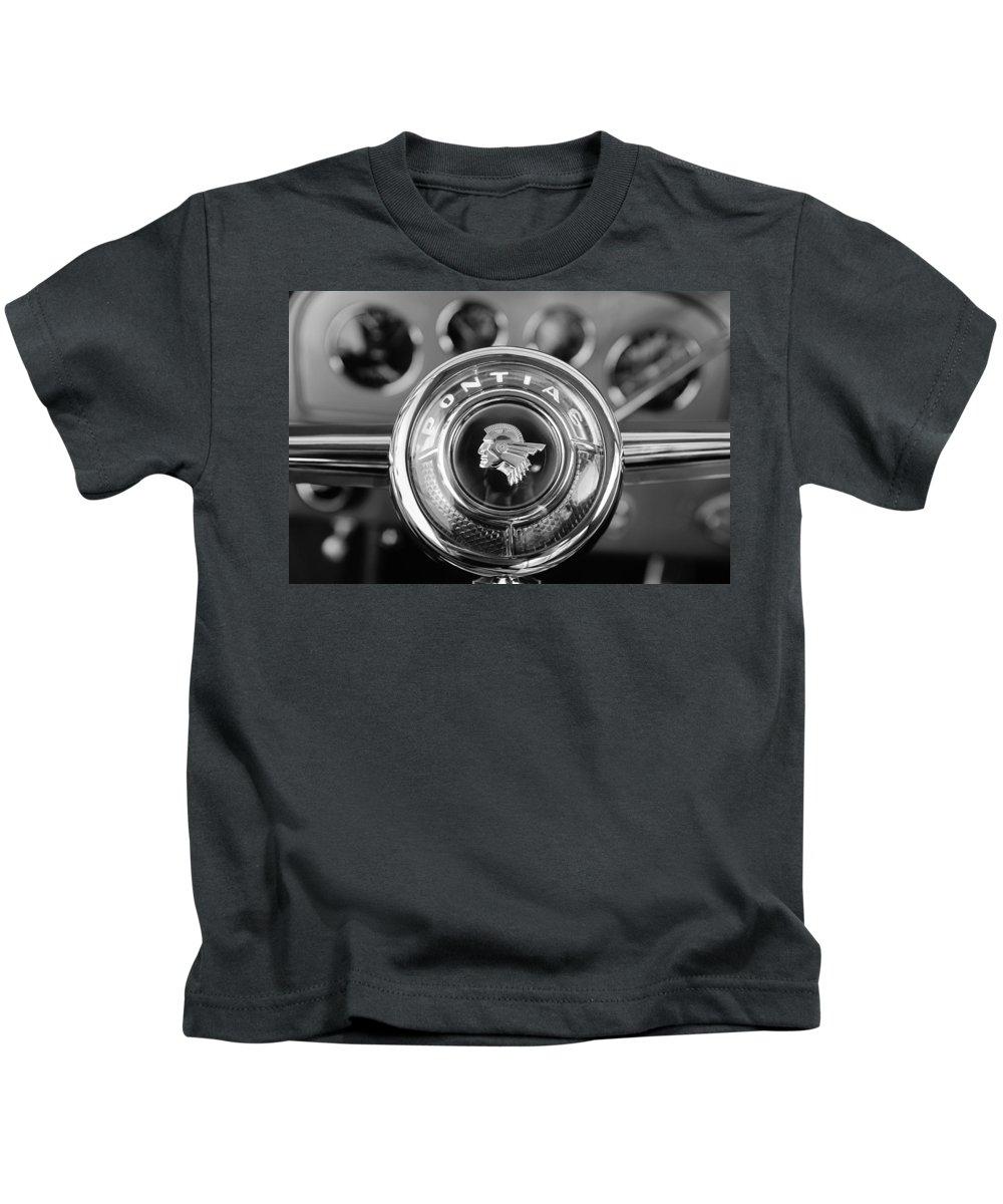 1933 Pontiac Steering Wheel Emblem Kids T-Shirt featuring the photograph 1933 Pontiac Steering Wheel Emblem by Jill Reger