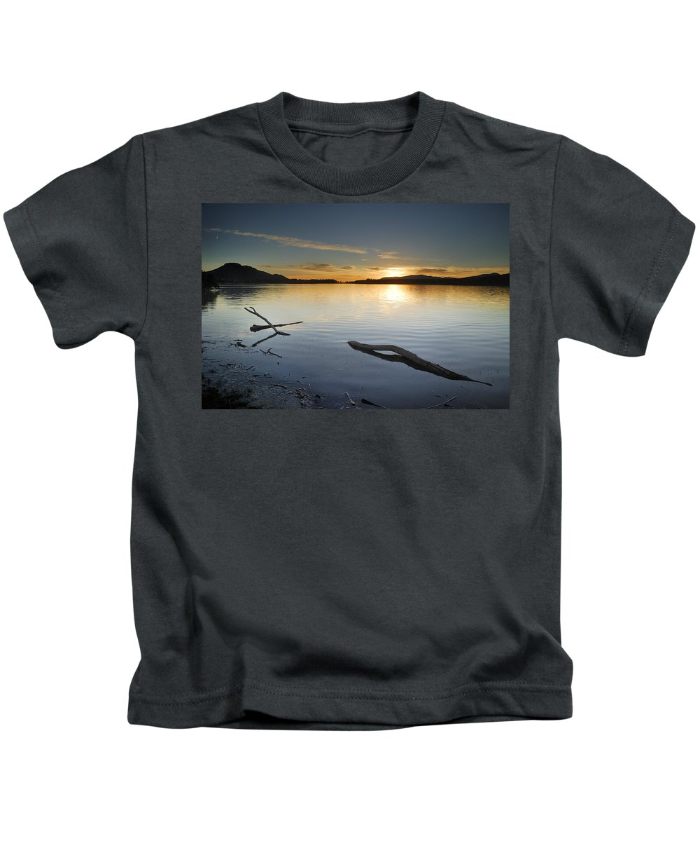 Lake Kids T-Shirt featuring the photograph Calm by Guido Montanes Castillo