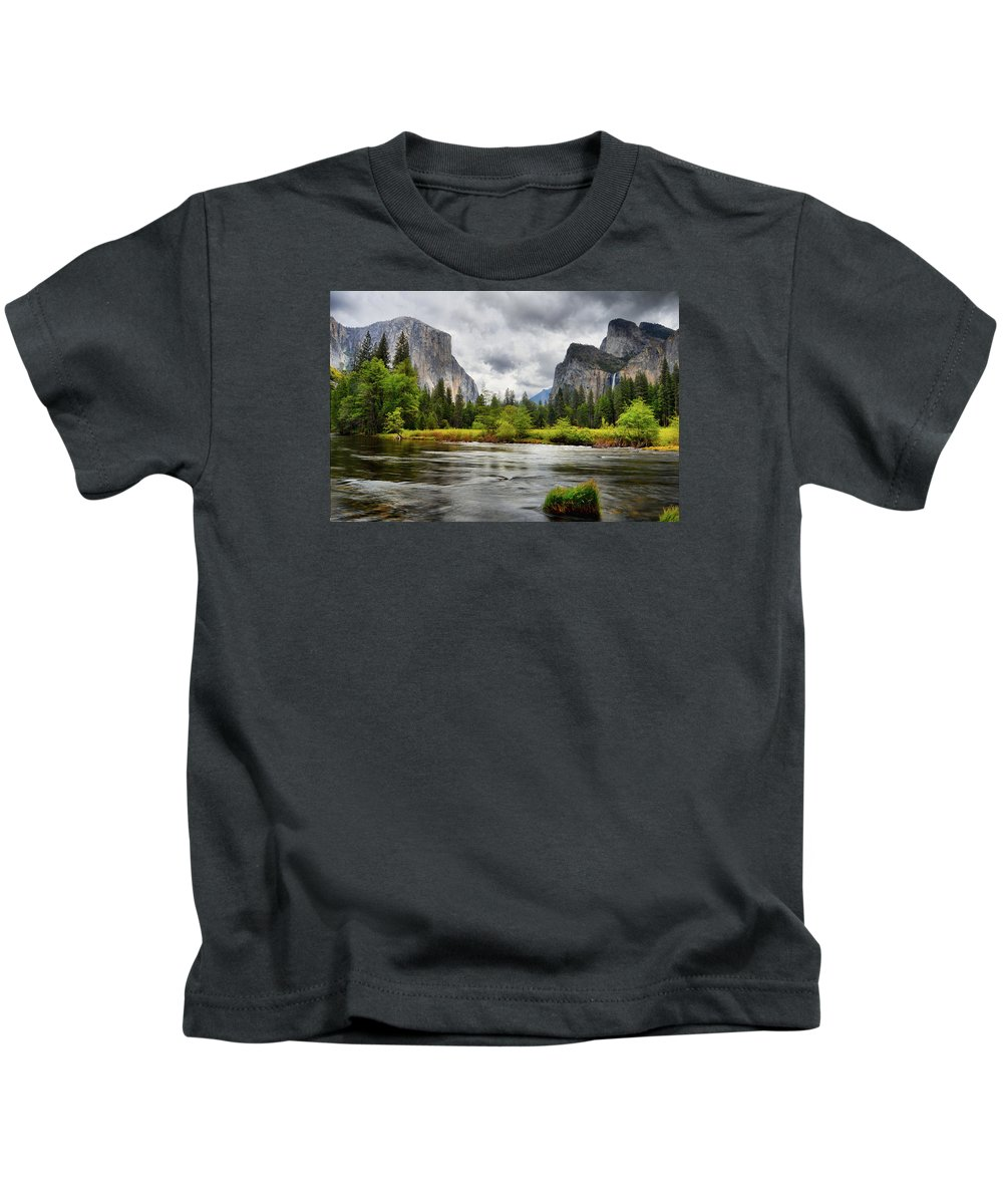 Gates Of The Valley Kids T-Shirt featuring the photograph A Storm Draws Near by Lynn Bauer