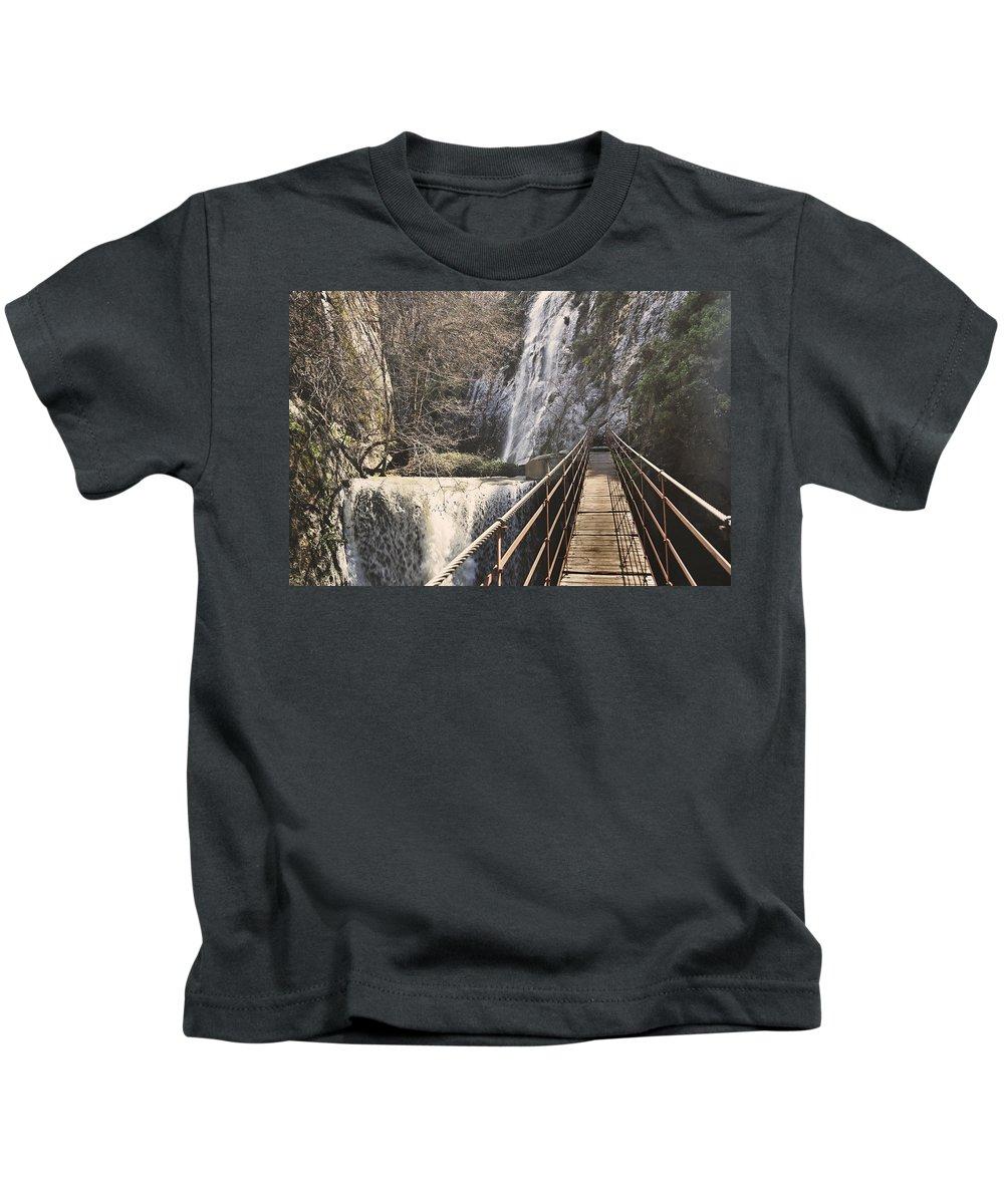 Bridge Kids T-Shirt featuring the photograph Adventure Retro Bridge by Guido Montanes Castillo