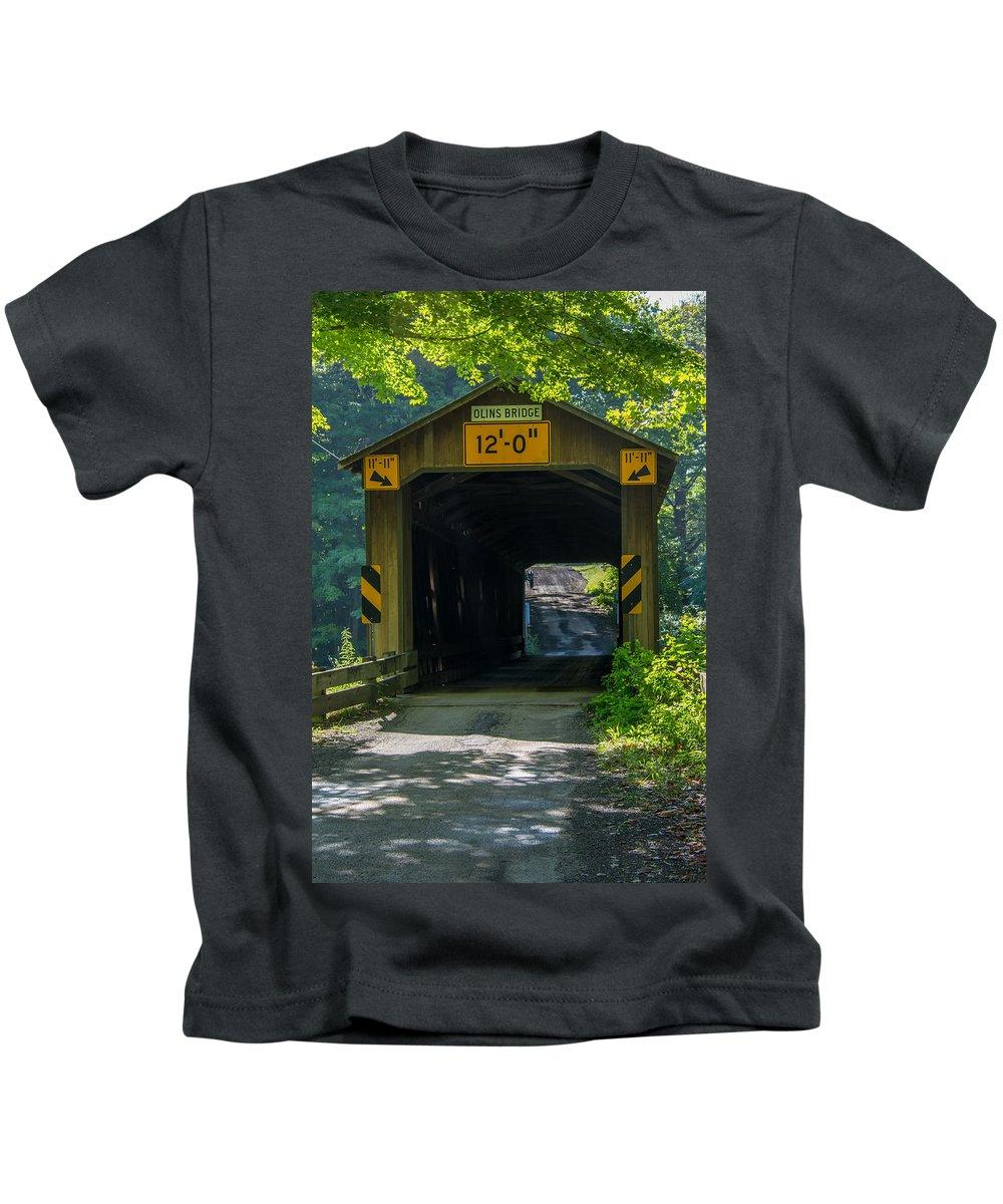 Ashtabula County Covered Bridges Kids T-Shirt featuring the photograph Ashtabula Collection - Olin's Covered Bridge 7k01978 by Guy Whiteley