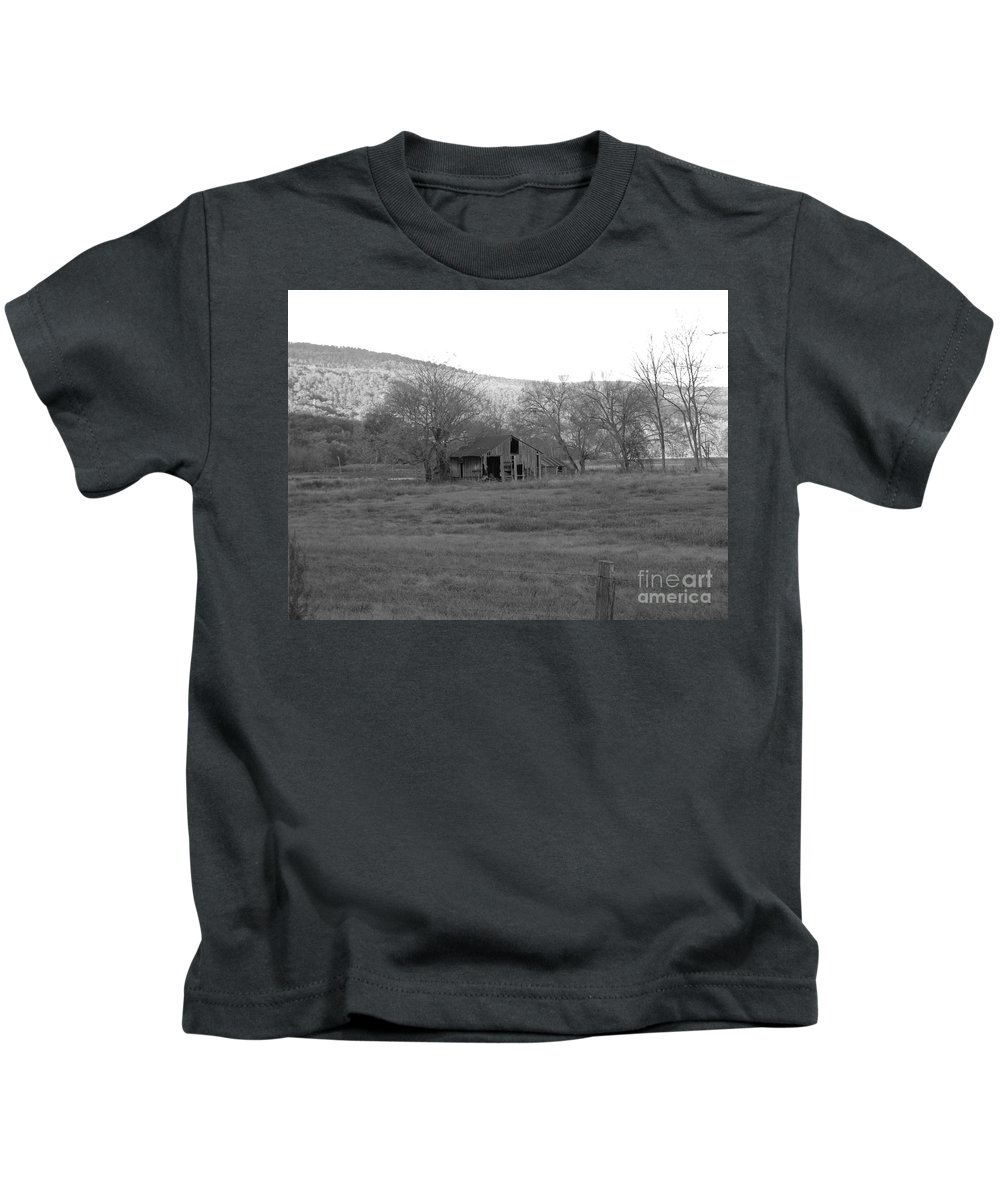 Barn Kids T-Shirt featuring the photograph Barn 2 by Nathanael Smith