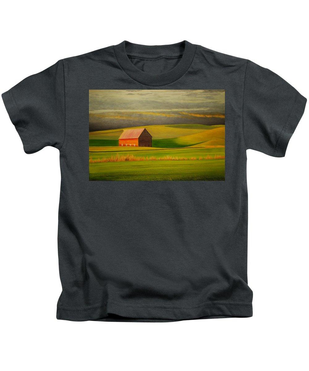 Barn Kids T-Shirt featuring the painting Barn on the Palouse by Leonard Heid