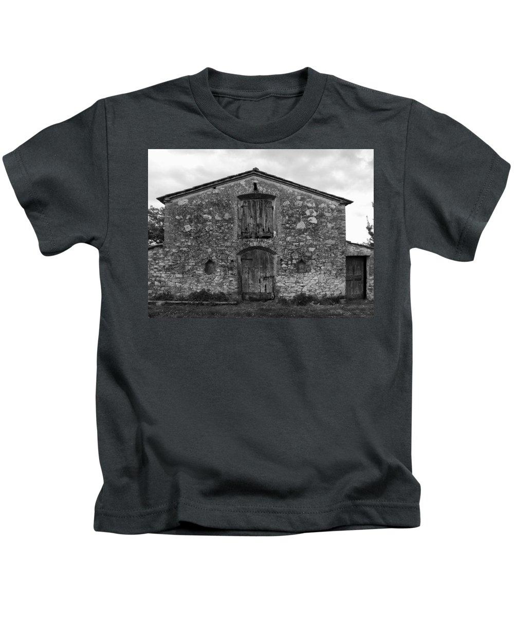 Barn Kids T-Shirt featuring the photograph Barn Sienna by Hugh Smith