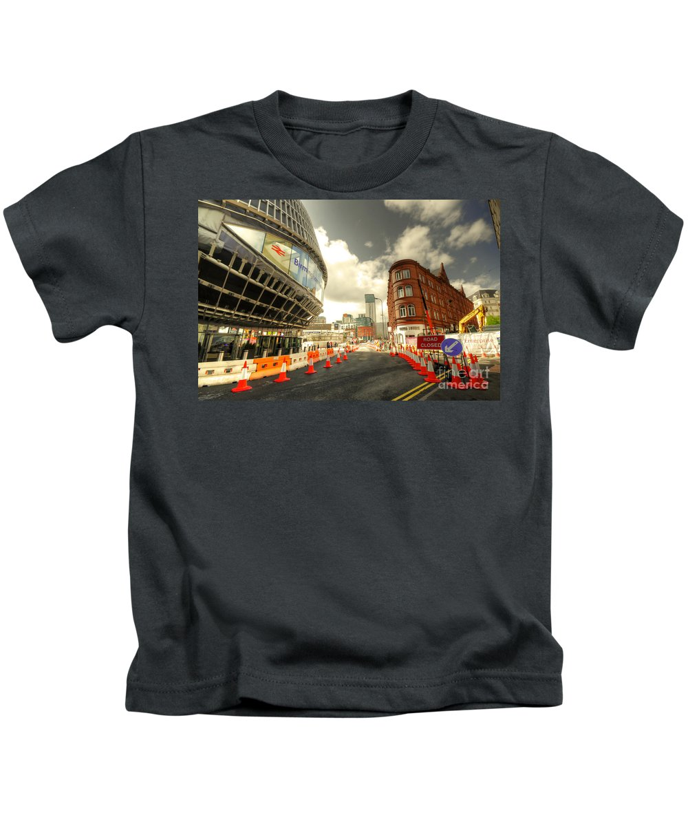 Birmingham Kids T-Shirt featuring the photograph Birmingham New St by Rob Hawkins