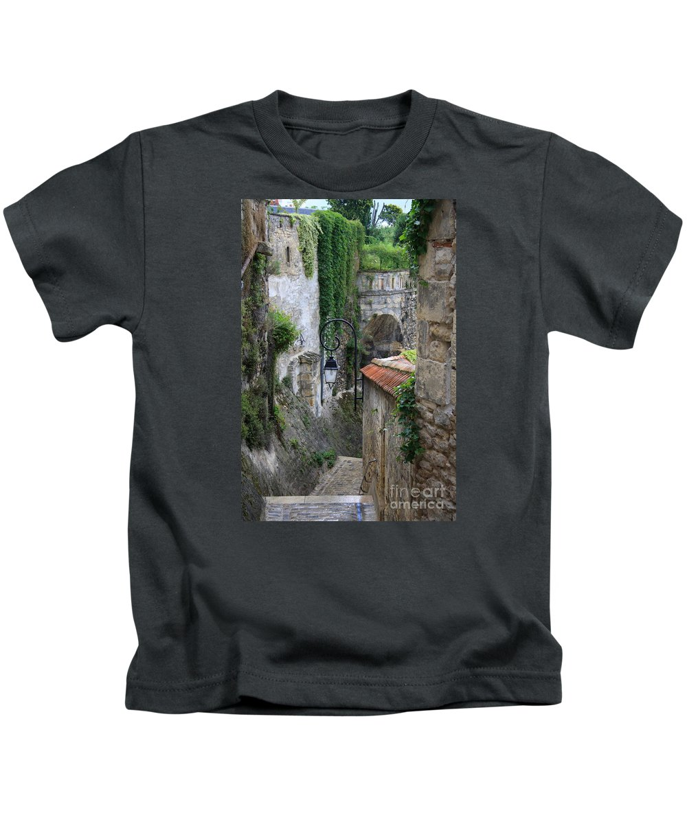 Alley Kids T-Shirt featuring the photograph Burgundy Alley by Christiane Schulze Art And Photography