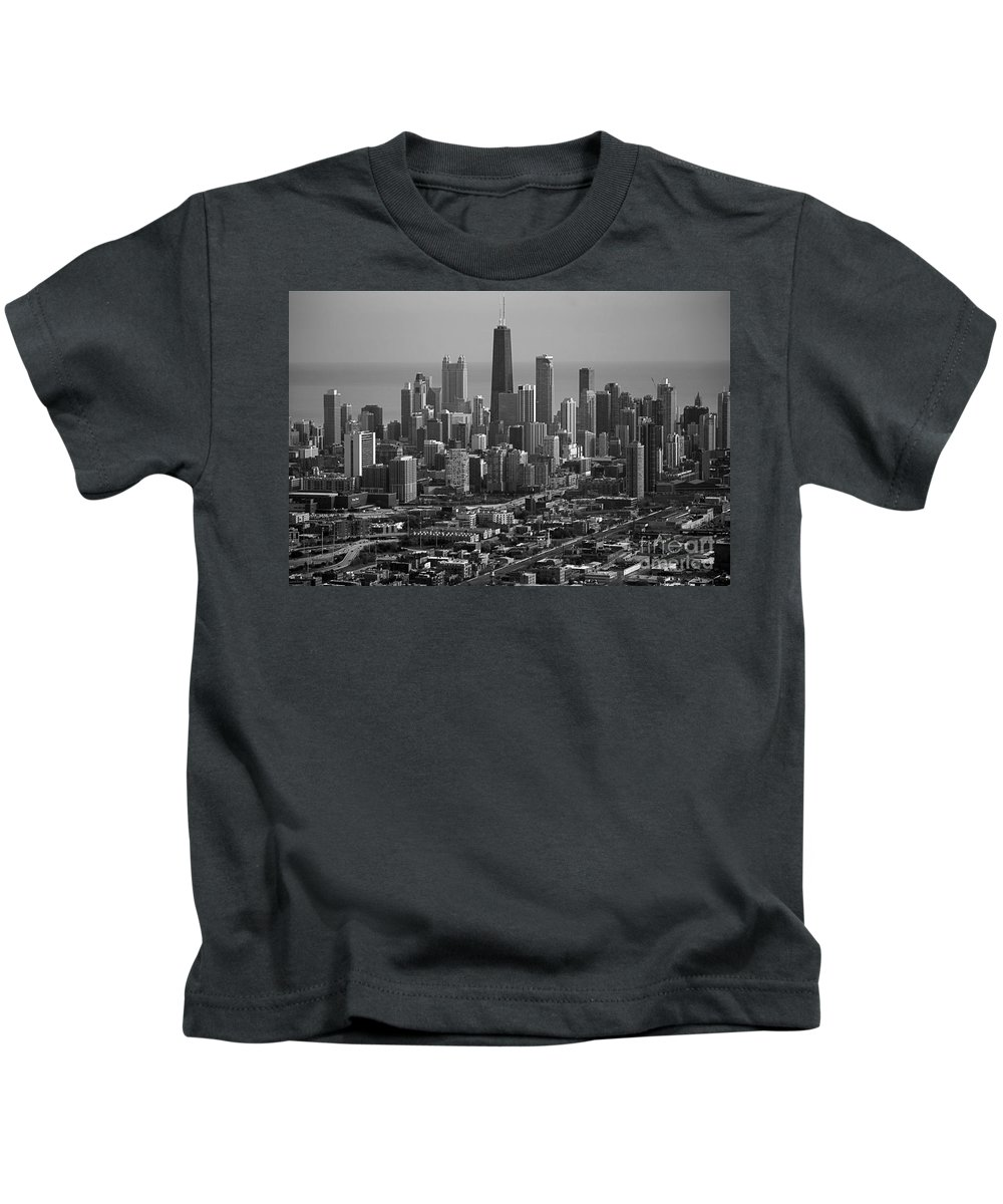 Black And White Kids T-Shirt featuring the photograph Chicago Looking East 01 Black And White by Thomas Woolworth