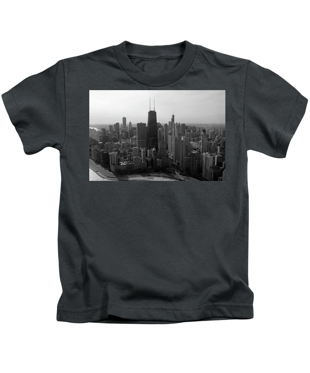 Black And White Kids T-Shirt featuring the photograph Chicago Looking South 01 Black And White by Thomas Woolworth