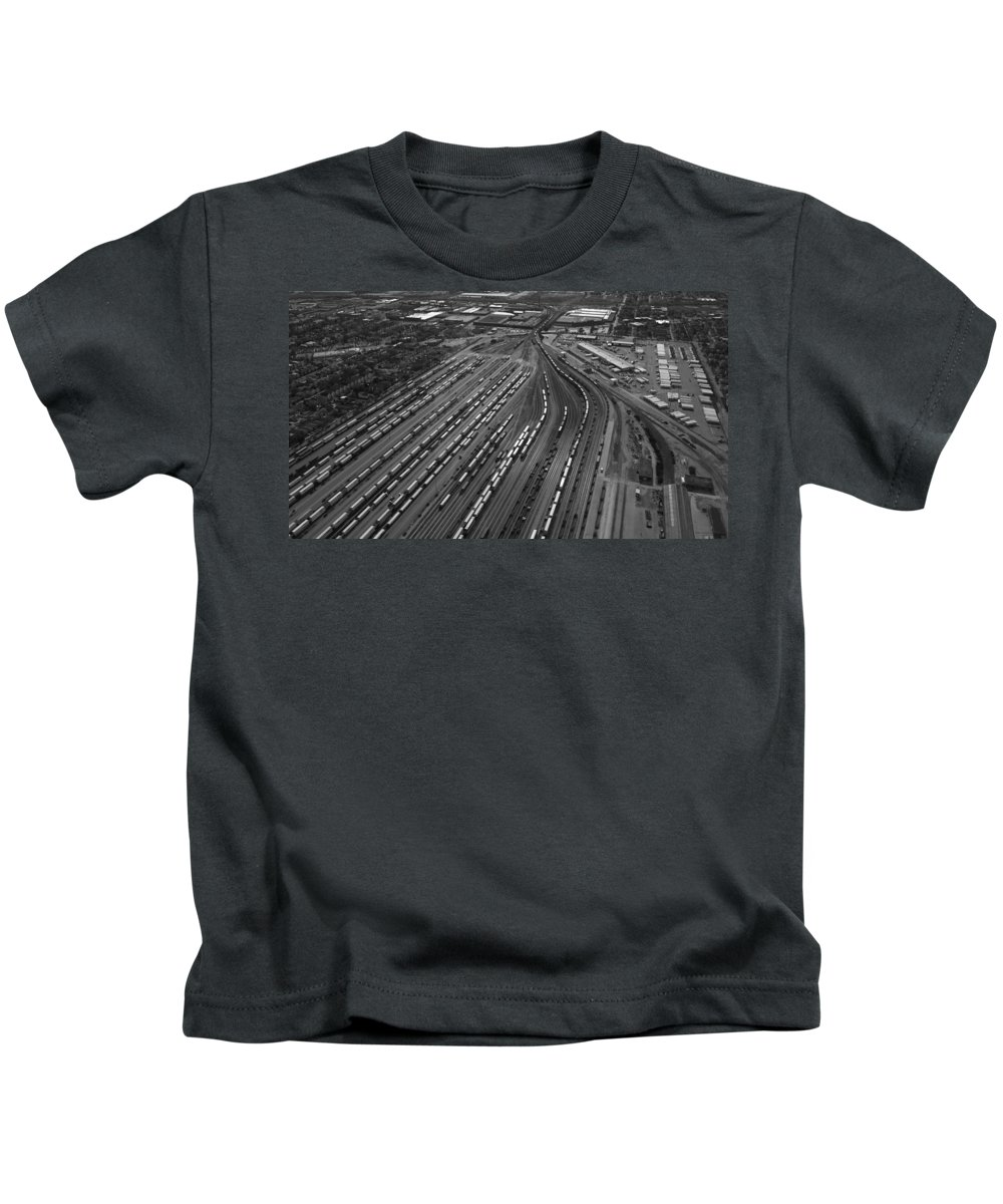 Il Kids T-Shirt featuring the photograph Chicago Transportation 02 Black And White by Thomas Woolworth