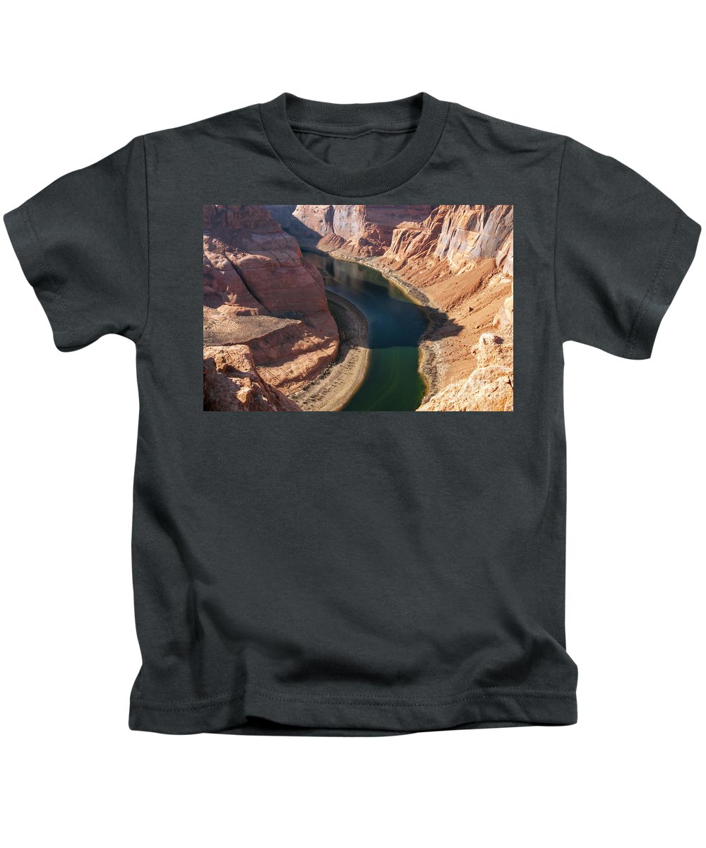 Horseshoe Bend Overlook Glen Canyon National Recreation Area Arizona Colorado River Rivers Water Red Rock Sand Sandstone Landscape Landscapes Kids T-Shirt featuring the photograph Colorado River Bend by Bob Phillips