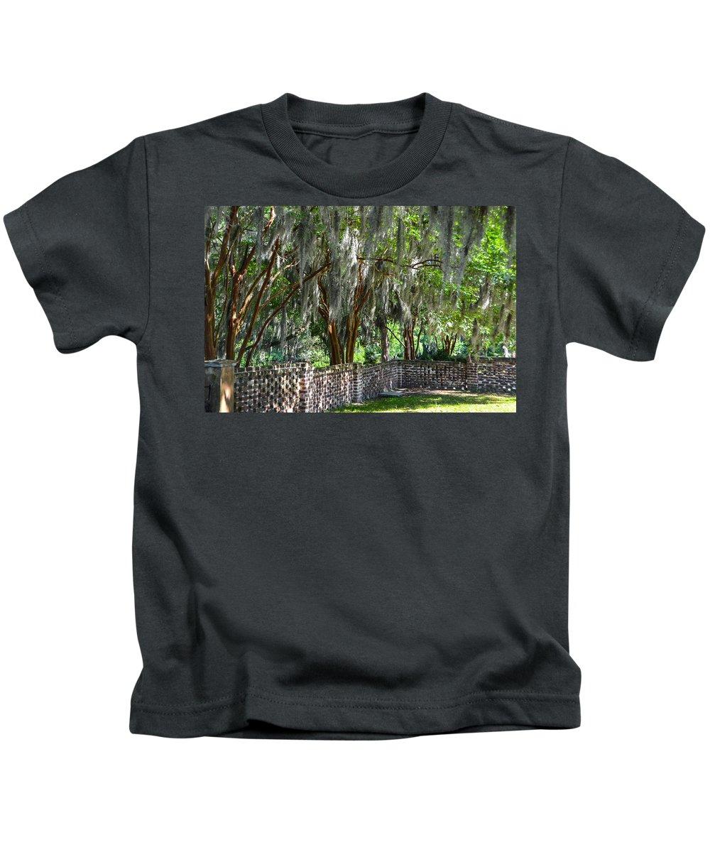 Crepe Myrtles Kids T-Shirt featuring the photograph Crepe Myrtles Of Middleton Place by Debra Martz