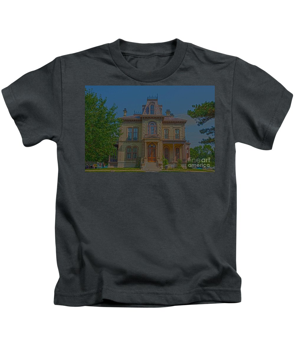 Bloomington Kids T-Shirt featuring the photograph Davis Supreme by Alan Look