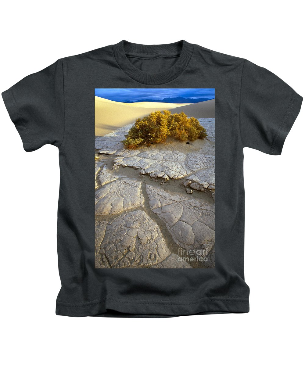America Kids T-Shirt featuring the photograph Death Valley Mudflat by Inge Johnsson