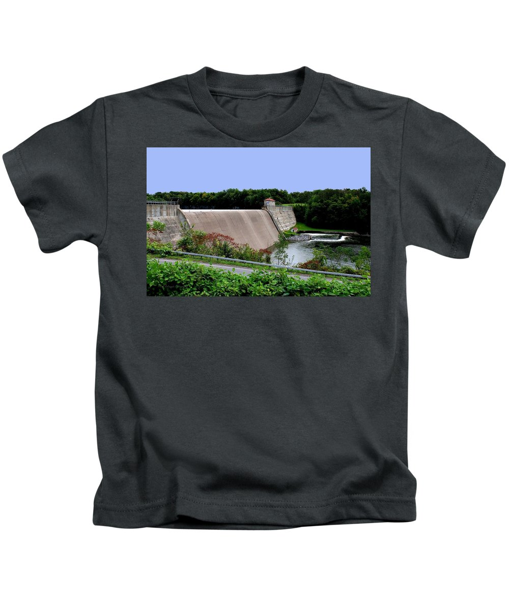 Dam Kids T-Shirt featuring the photograph Delta Dam by Frank Salvaggio