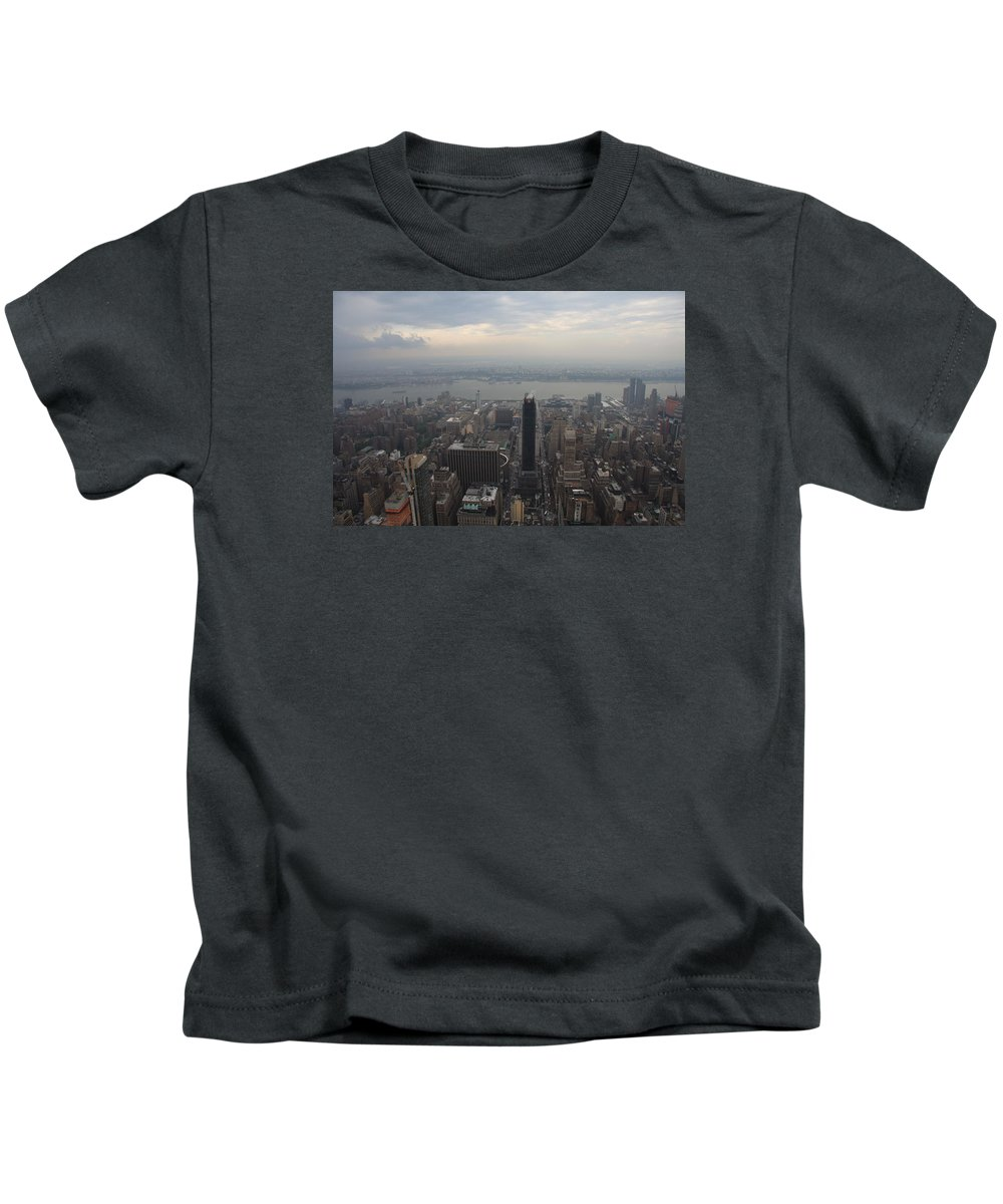 New York Kids T-Shirt featuring the photograph Grey Sky Over Manhattan by Christiane Schulze Art And Photography