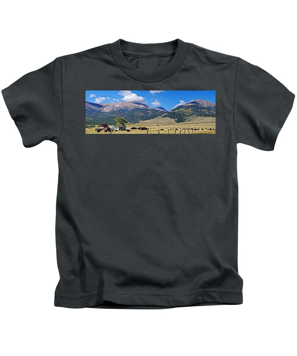 Colorado Photographs Kids T-Shirt featuring the photograph Home On The Range - A Westcliffe Ranch by Gary Benson
