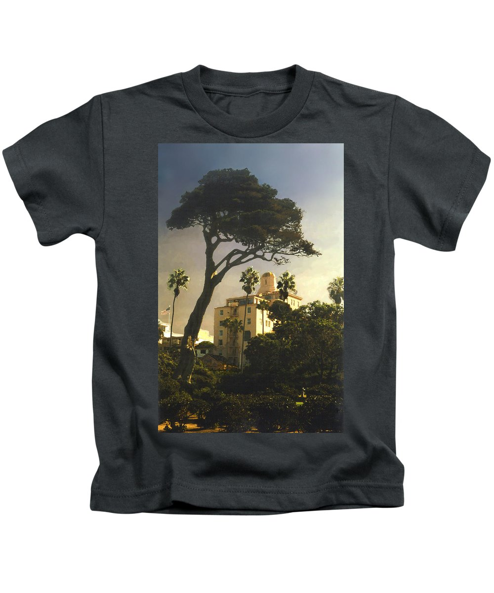 Landscape Kids T-Shirt featuring the photograph Hotel California- La Jolla by Steve Karol