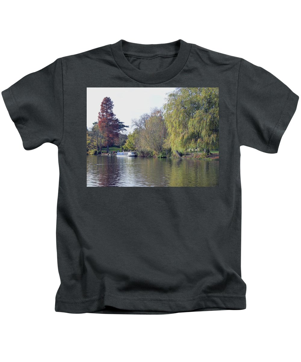House Boat Kids T-Shirt featuring the photograph House Boat On River Avon by Tony Murtagh