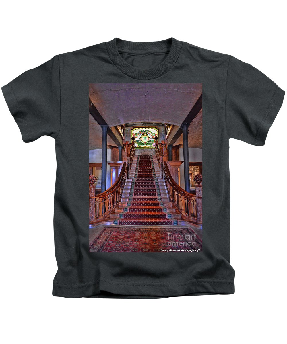 Inglenook Vineyard Kids T-Shirt featuring the photograph Inglenook Vineyard -5 by Tommy Anderson