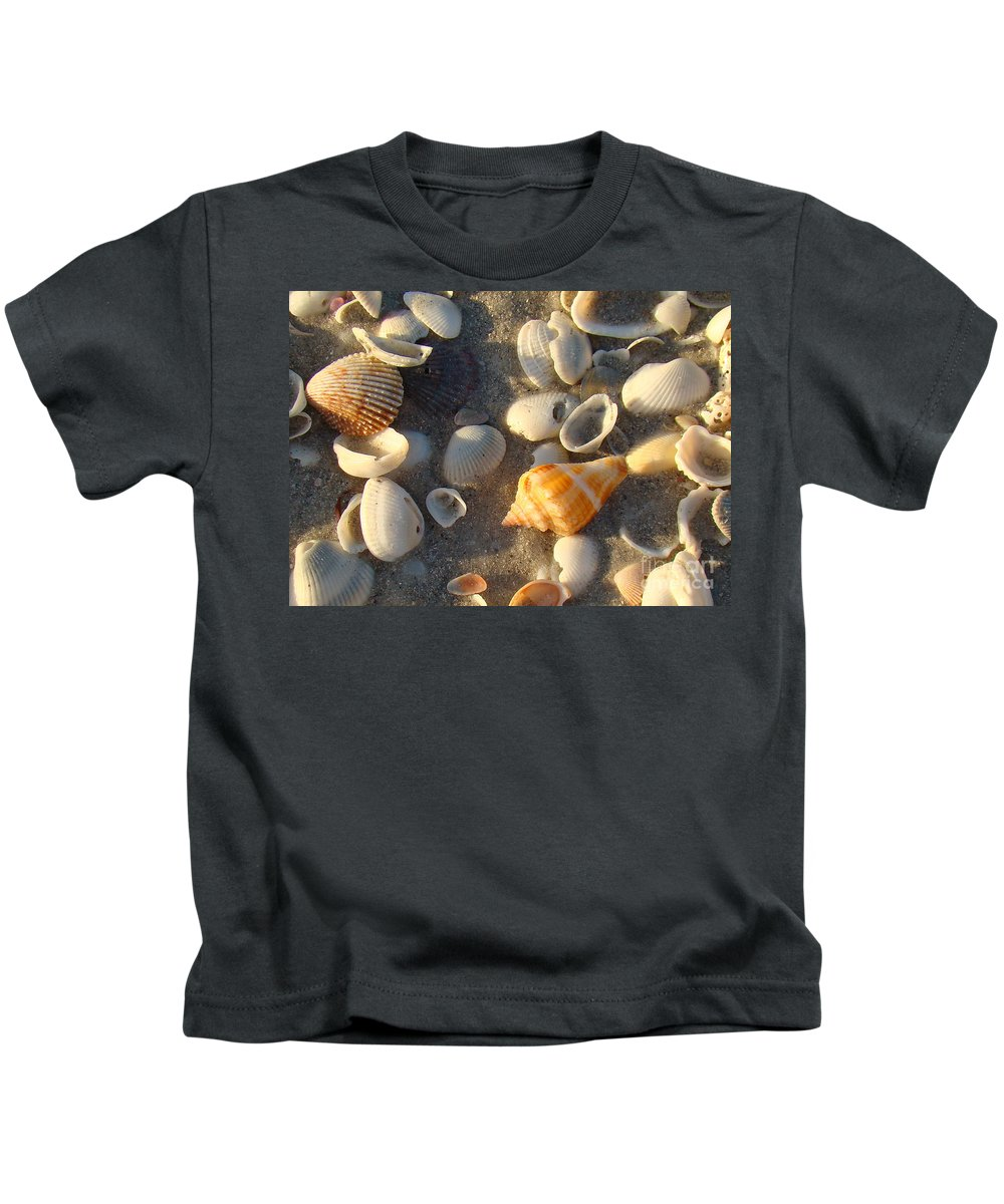 Conch Kids T-Shirt featuring the photograph Juvenile Florida Fighting Conch by Nancy L Marshall