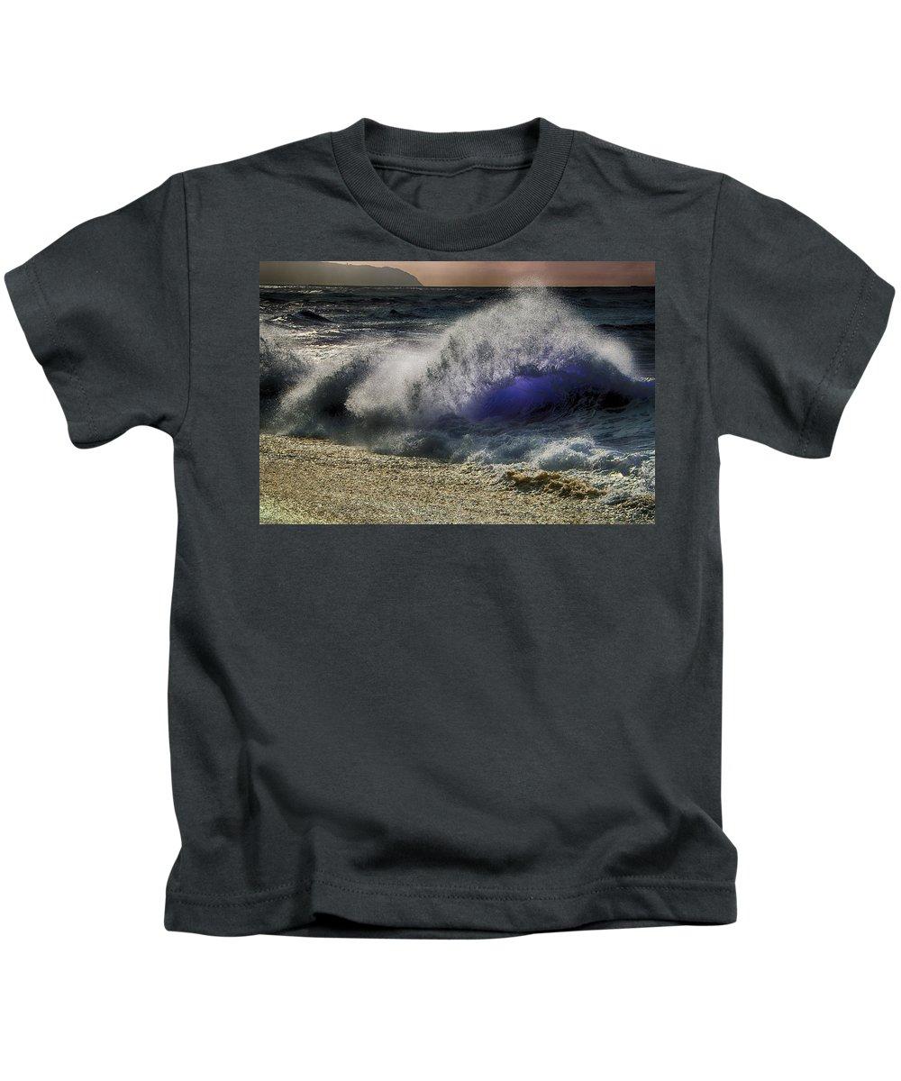 Sunset Kids T-Shirt featuring the photograph Lightwave by Douglas Barnard