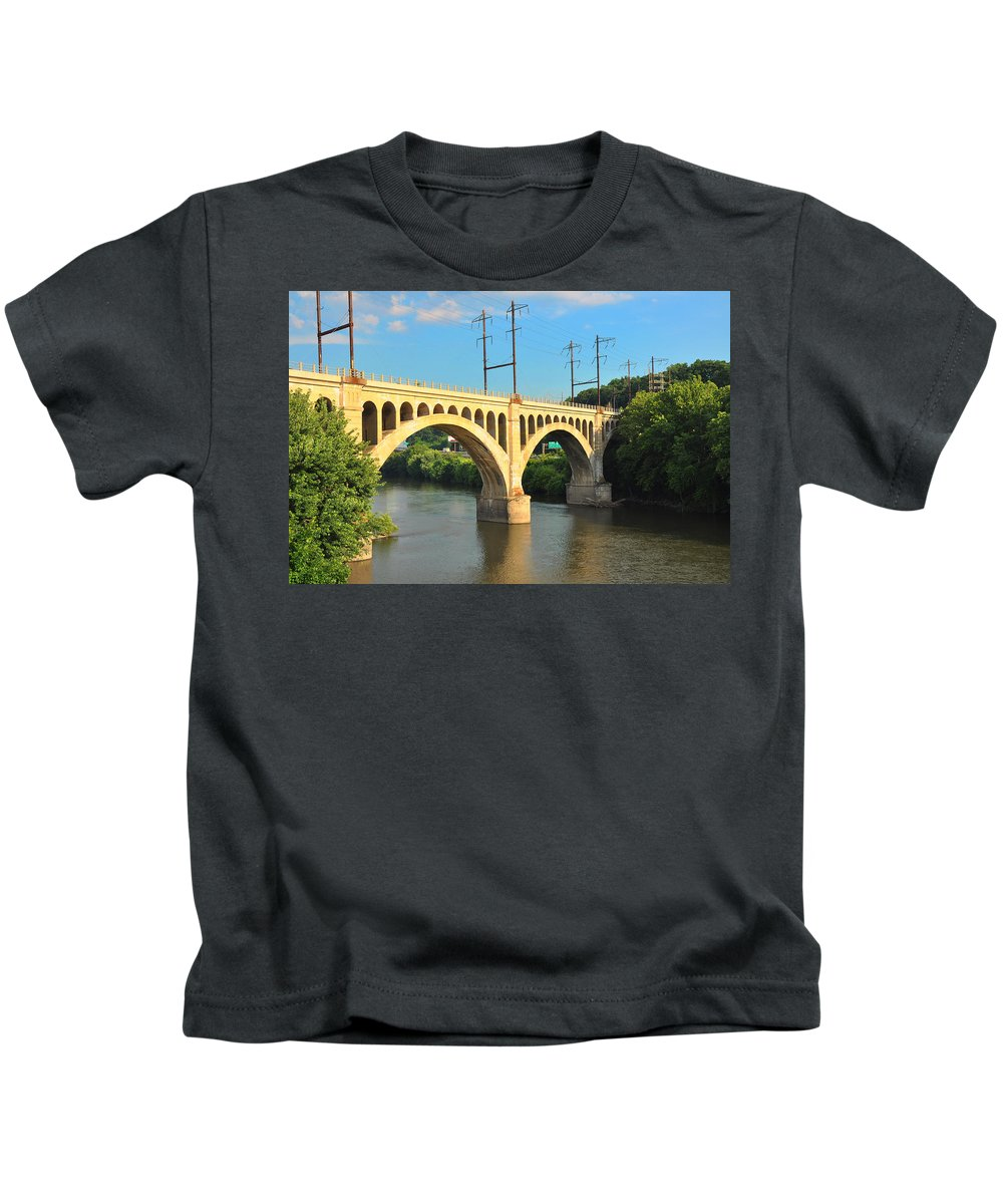 Manayunk Kids T-Shirt featuring the photograph Manayunk Stone Arch Bridge by Bill Cannon