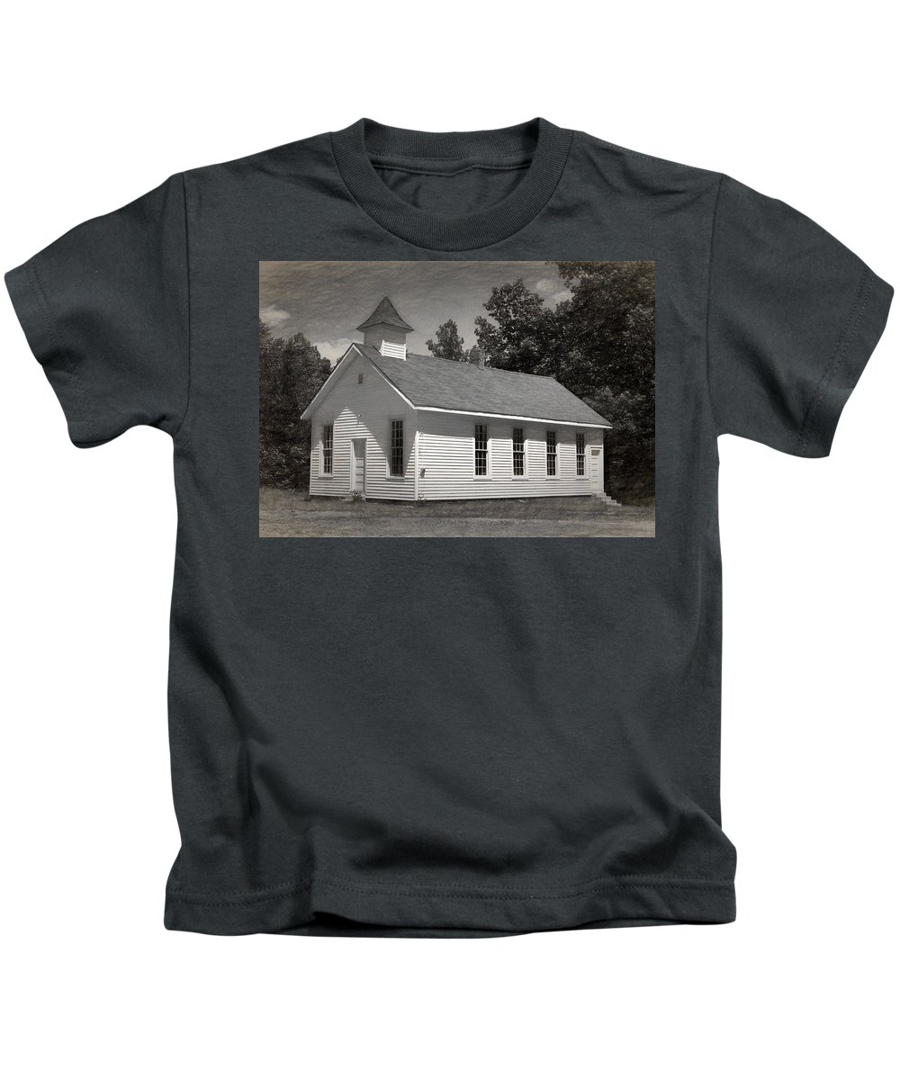 Abandoned Kids T-Shirt featuring the photograph Meeting House by Richard Rizzo