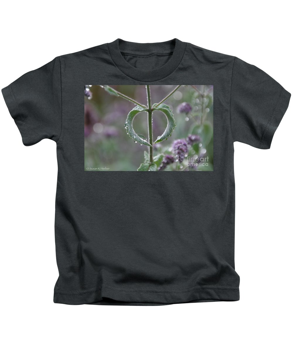 Flower Kids T-Shirt featuring the photograph Mint Heart by Susan Herber