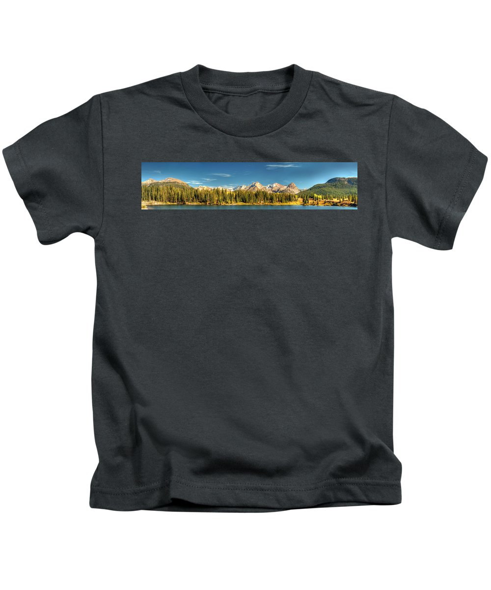 The Needles Kids T-Shirt featuring the photograph Molas Lake And The Needle Range Pan 2 by Ken Smith