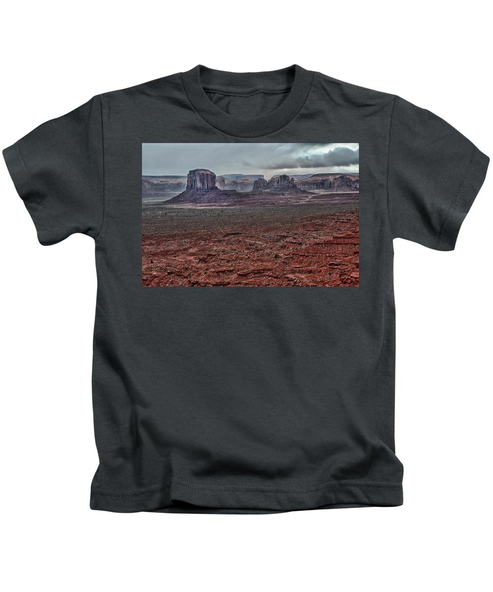 Monument Valley Utah Kids T-Shirt featuring the photograph Monument Valley Ut 4 by Ron White