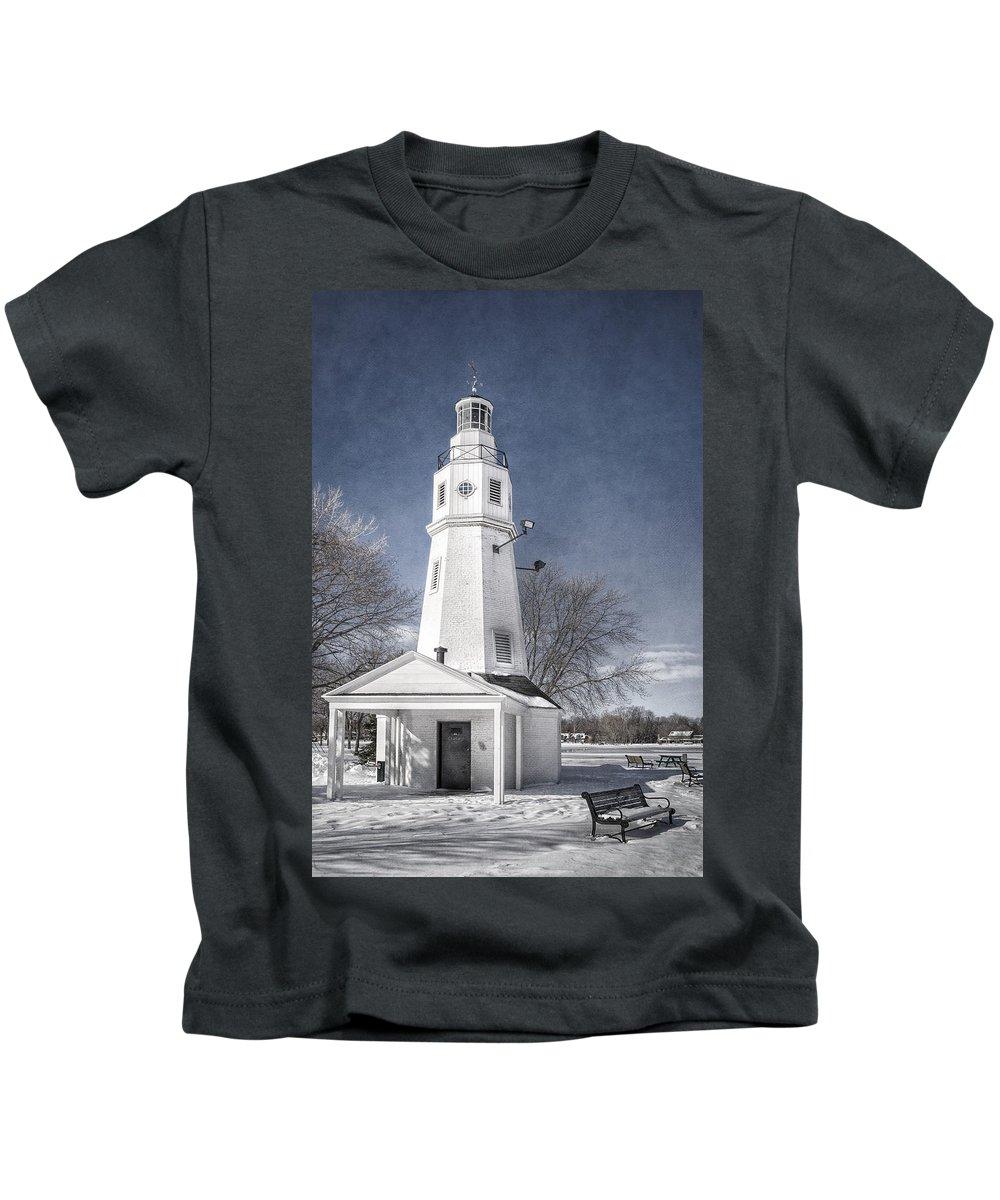 Joan Carroll Kids T-Shirt featuring the photograph Neenah Lighthouse by Joan Carroll