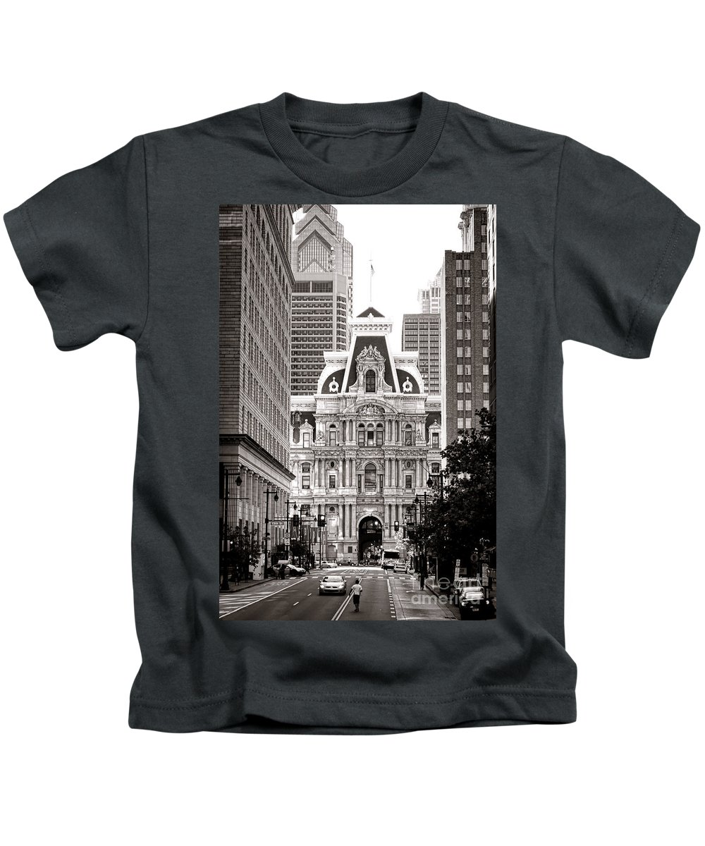 Philadelphia Kids T-Shirt featuring the photograph Philadelphia City Hall by Olivier Le Queinec