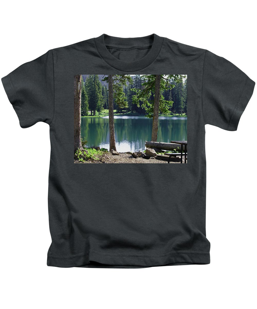 Lakes Kids T-Shirt featuring the digital art Picnic By The Lake by Ernie Echols