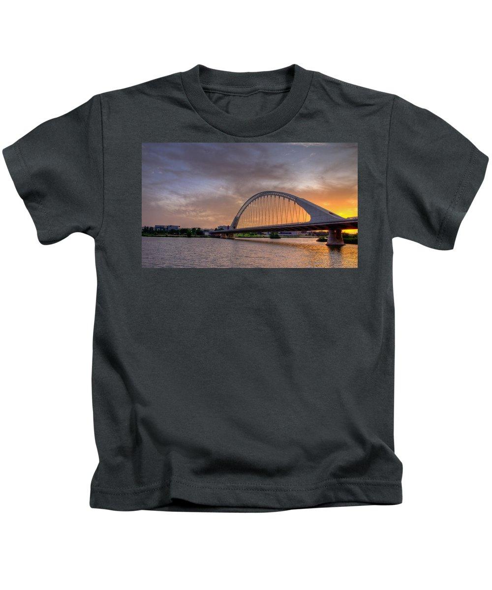 Merida Kids T-Shirt featuring the photograph Puente De Lusitania II by Pablo Lopez