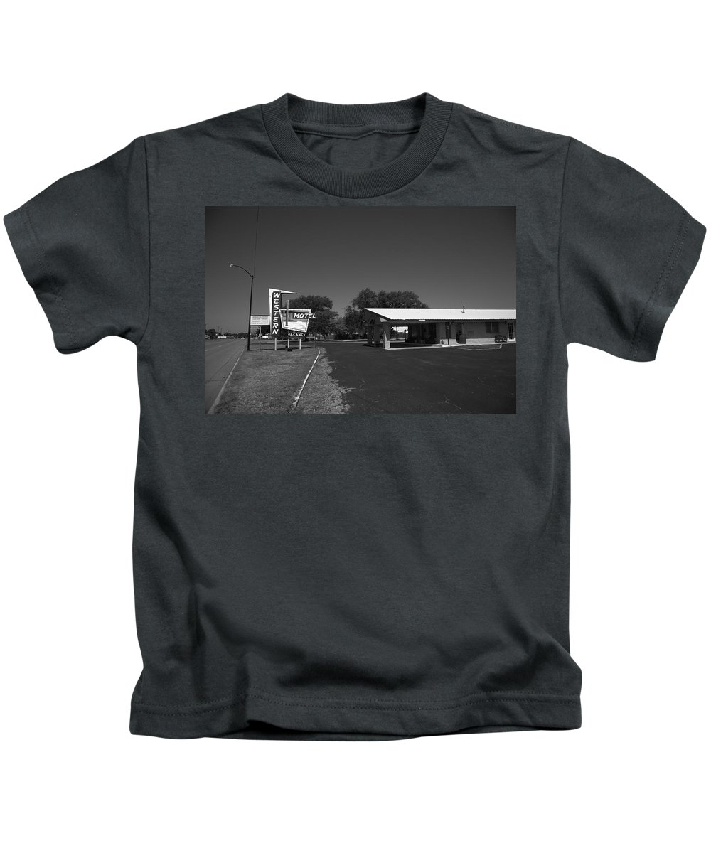 66 Kids T-Shirt featuring the photograph Route 66 - Western Motel 8 by Frank Romeo