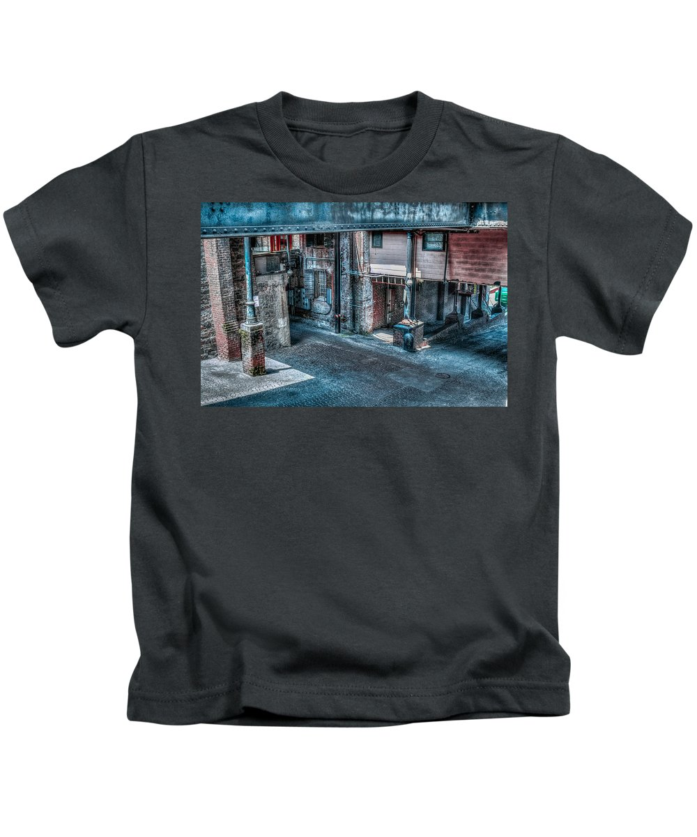 Hdr Alley Kids T-Shirt featuring the photograph Savannah Alley by Anthony Hughes
