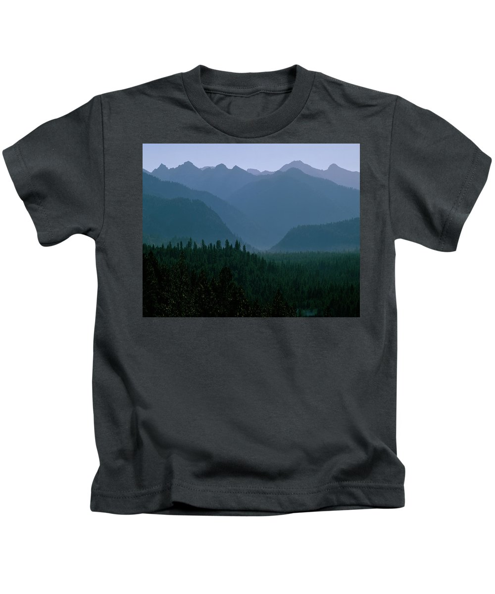 Mountains Kids T-Shirt featuring the photograph Sawtooth Mountains Silhouette by Ed Riche