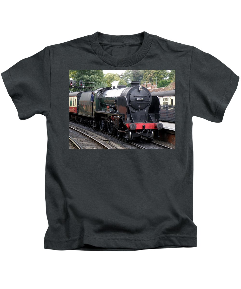 Steam Kids T-Shirt featuring the photograph Schools Class 30926 'repton' by Ted Denyer