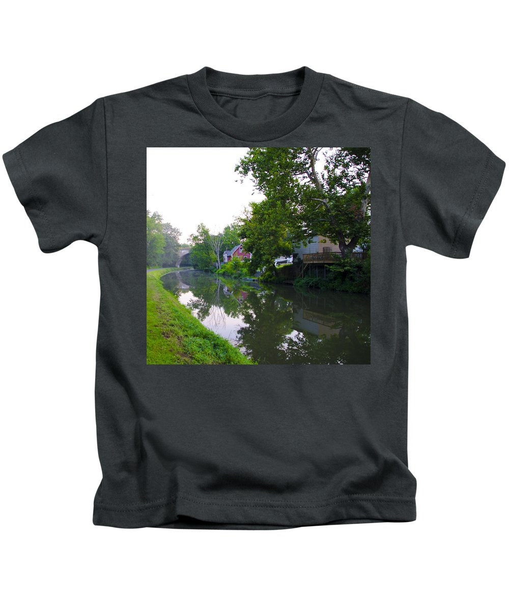 Schuylkill Kids T-Shirt featuring the photograph Schuylkill Canal Mont Clare by Bill Cannon