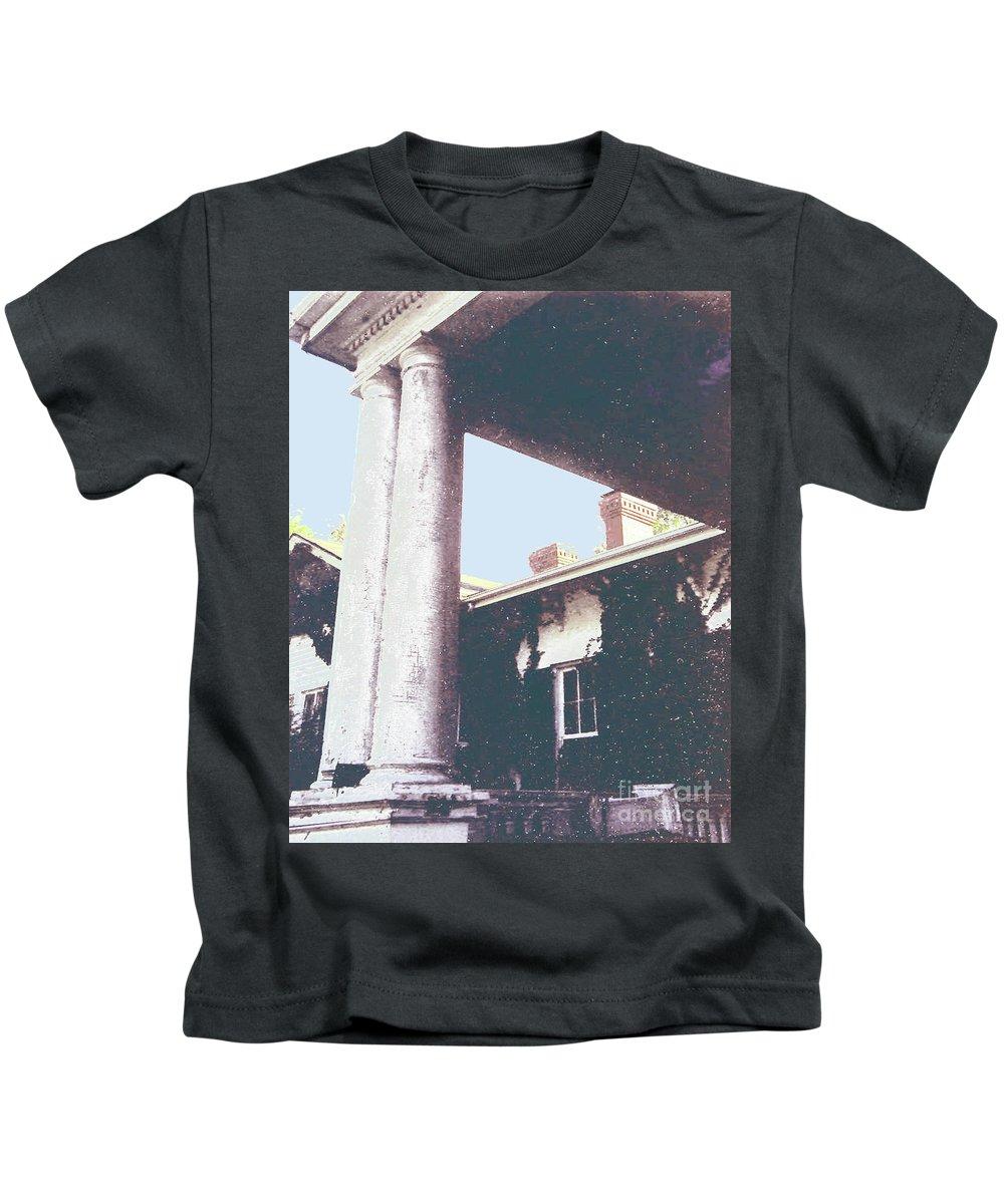 Mississippi Kids T-Shirt featuring the digital art Stovall Plantation by Lizi Beard-Ward